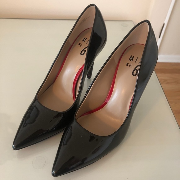 DSW Shoes   Size 65 Black Pumps With